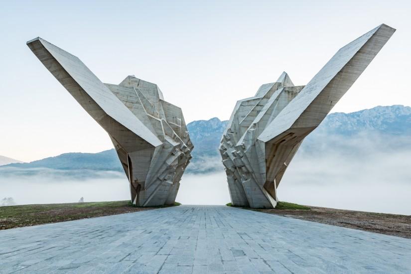 A masterpiece of socialist realist monumental art: 3 timeless works by Miodrag Živković